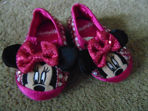 5-6t minnie mouse slippers
