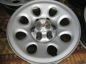four gm 17 in 6 bolt rims for 1500 half ton like new