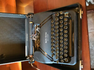 VINTAGE 1946 L C SMITH & CORONA STERLING TYPEWRITER WITH FLOATIN