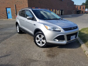 2015 Ford Escpae SE AWD Fully Loaded