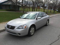 ALTIMA 2004,AUTOMATIQUE,CLIMATISE,BAS MILAGE,130OOOKM,IMPECCABLE