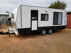 Imaculate family caravan