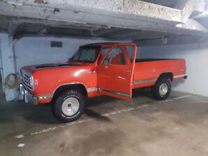 1976 4x4 Dodge Power Wagon W100