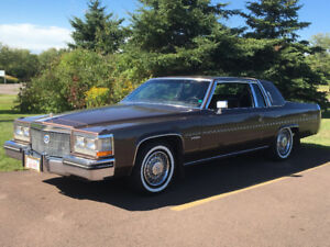 MAKE AN OFFER 1983 CADILLAC COUPE DEVILLE FAITE UNE OFFRE