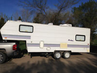 1998 Fifth wheel trailer A/C large awning REDUCED MUST GO