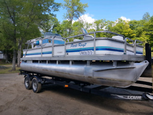 Pontoon Barge | Powerboats & Motorboats | Kingston | Kijiji