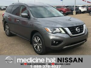 2017 Nissan Pathfinder SL *TRAILER HITCH