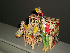 Antique 1945 Tin Litho Lil Abner Wind-up Band Toy by Unique Art