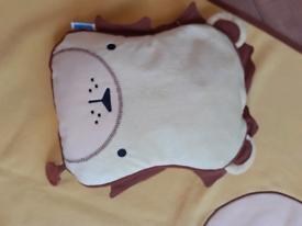 Trunki travel blanket and pillow