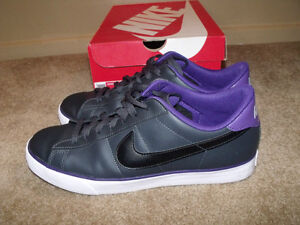 Nike Classic Leather Shoes size 12