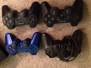 PS3 8 games, 4 controllers