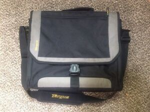 Targus Laptop Bag *EUC* - $12obo London Ontario image 1