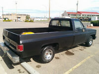 1986 Chevrolet C10. Matching number truck with factory 305