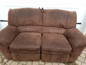 Brown recliner love seat. 2 seater couch. Very comfortable suede