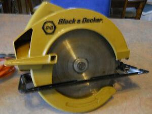Circular Saw 7 1/4 in by Black and Decker, excellent condition