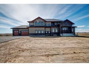 Estate Acreage Just Seconds From City Limit!