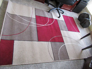 QUALITY 5' x 7' AREA RUG - EXCELLENT CONDITION
