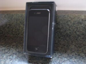 Apple iPhone 4S 16GB Smartphone - Black / just reduced / new