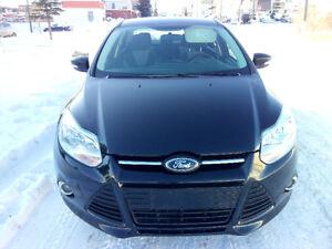 2014 Ford Focus SE Sedan 28,000KM LOADED Free Warranty