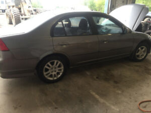 2005 HONDA CIVIC 5 SPEED PARTING OUT