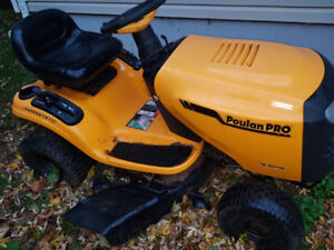 Poulin Pro Lawn Tractor