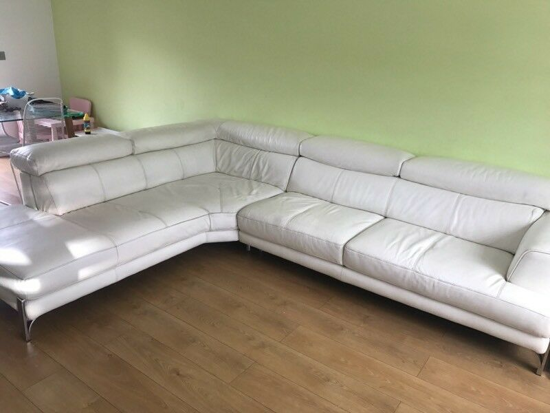 Iconica Stage 100 White Leather Right Arm Facing Large Corner Sofa