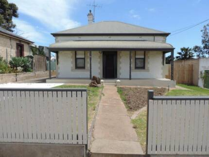 House For Sale A Beautiful 3 Bedroom Cottage