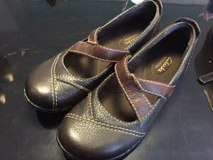 Brand new leather clarks size 7.5