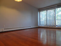 Quiet Near Downtown Crescent Heights Apartment