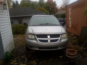 Dodge Minivan 2005 -- GREAT PRICE!!!!!!!!