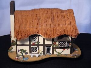 """Pauline Ralph Handcrafted Musical Box Collection """"Elizabethan"""""""