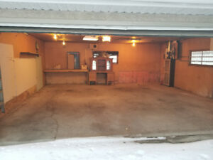 Garage for rent in Sherbrooke