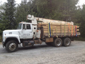 Ford L9000 with 8 ton Crane