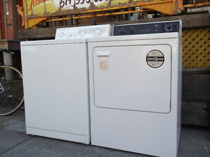 SET Laveuse & Sécheuse Blanche /  White Washer & Dryer 220.00$