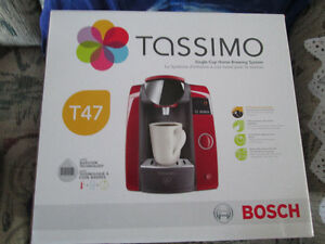 NEW IN BOX TASSIMO T47 RED