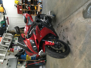 Yamaha R1 2004 - 3500$ Firm. First come first serve!!