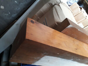 Tablette de bois franc / hardwood mantel
