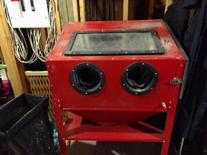Sandblasting cabinet *barely used* West Island Greater Montréal image 1