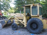 FORD DIESEL FRONT END LOADER RUNS GOOD HEAVY DUTY