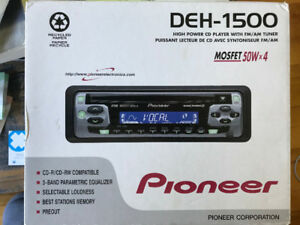 Radio de voiture/Car radio Pioneer DEH-1500 CD et radio AM/FM