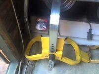 Wheel clamp car / van / trailer / caravan