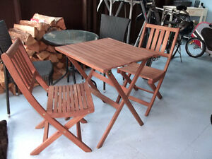 Folding Wood Table and Chairs