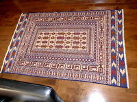 Beautiful brand new Hand made rug 100% wool