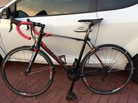 GIANT DEFY 1 RACING ROAD BIKE ALMOST NEW. M/L SIZE