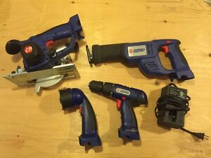 Campbell Hausfeld 4 piece kit with battery charger Cambridge Kitchener Area image 1