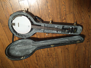 Banjo - 5 String w/ hard case and accessories