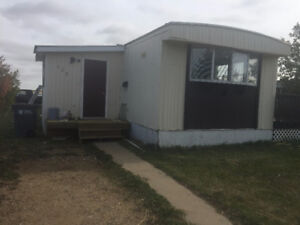 3 Bedroom Caronport Mobile Home for Rent Oct 1