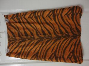 Women's animal print pencil skirt Size 8 New with tags London Ontario image 8