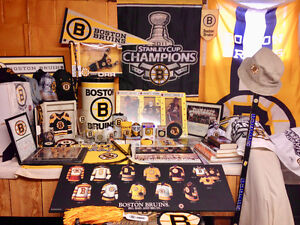 BOSTON BRUINS - Collection of memorabilia and merchandise