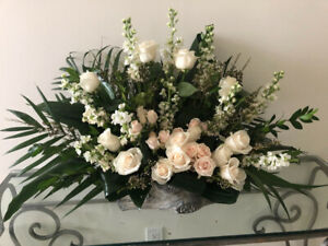 Fresh flowers arrangement for sale